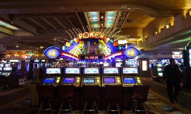 Why Do Many People Prefer Online Slot Games?